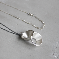 pump (L) silver necklace -無地-