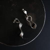 black moor (m) silver earring