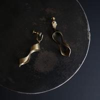 black moor (m) brass earring