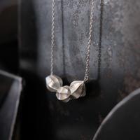 アサツキのつぼみ 3個 Necklace