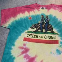 USED!一点物ビンテージ古着『CHEECH and CHONG  T-SHIRTS タイダイ(OFFICIAL)』◉TURTLE MAN's CLUB 防水ステッカー付き