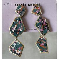 studio ARAMA  幾何学合わせ イヤリング