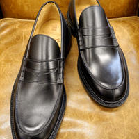 18.44 Rejected Tricker's / Black / Unlined Loafers / Leather Sole / Size 8