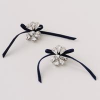petite robe noire  velvet ribbon earring