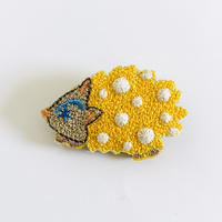 """Hedgehogs brooch"" <yellow>"