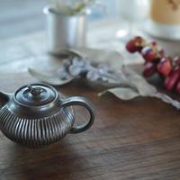 大江憲一, 茶壺(小さな急須)