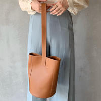 【即納】leather bucket[camel]