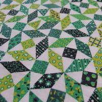 #423 レトロなひし形の幾何学柄