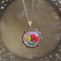 ヴィンテージ Three flowers/GlassButton ネックレス