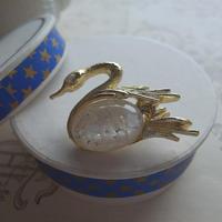 ヴィンテージ Swan/雪花のような Brooch
