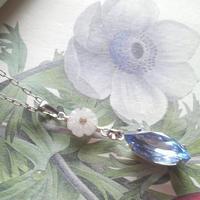 ヴィンテージ Light Sapphire/Whiteーflower ネックレス