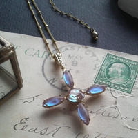アンティーク Crossサフィレット(Blue/Purple)ネックレス