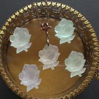 ヴィンテージ オーロラ Frost 薔薇のネックレス