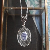 ヴィンテージ Blue薔薇/Clear装飾Glass ネックレス(Silverカラー)
