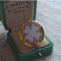 ヴィンテージ 四つ葉のクローバー(White/Gold)ネックレス