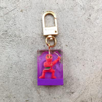 magma - Limited Keyring 'SPY' / Purple × Pink