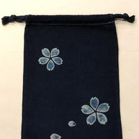 藍染め巾着「桜」型染め デザイン