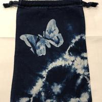 藍染め巾着「蝶」型染め デザイン
