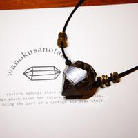 ガウリシャンカール産ヒマラヤ水晶 真鍮パーツネックレス SBC
