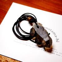 ガウリシャンカール産ヒマラヤ水晶(スモーキー・光沢)真鍮パーツネックレス O