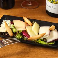 (Takeout)スペインチーズ4種盛り合わせ