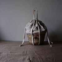 White leather soulder BAG with antique cloth
