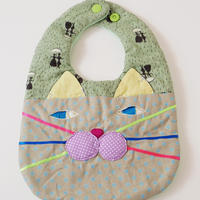 CAT BIB (S) / green×gray dot