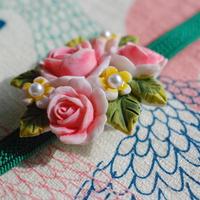 乙女の薔薇ブーケ帯留