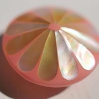 シェル丸菊の帯留(ピンク)