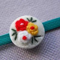 刺繍のお花の帯留(ホワイト)