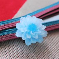 ほんのりカラーが可愛いお花の帯留(ブルー)