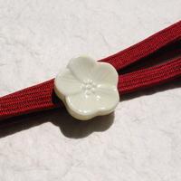 陶器のお花の帯留(アイボリー)