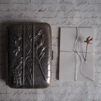 シガレットケース と小鳥のpin set