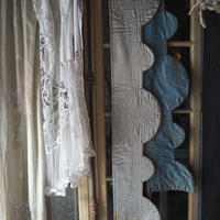 bluegrayの涼やかな窓飾り