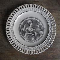 貴婦人の絵皿