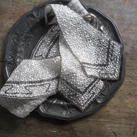 le collier  brodé de perles