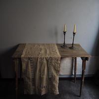 繊細な刺繍パネル