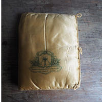 couvreture de mouchoirs brodé  soie