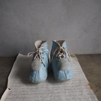 les chaussures   pour  bébé  b