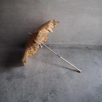 une magnifique  ombrelle en dentelle