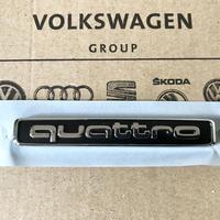 Audi 純正 quattro リア エンブレム