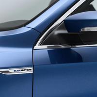 VW 純正品  BLUEMOTION サイドエンブレム  パサート B8 3G