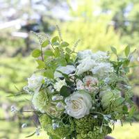 丈短め 季節の花のおまかせ花束
