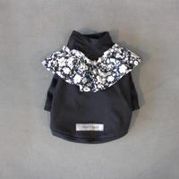 フラワーフリルシャツ(Black)