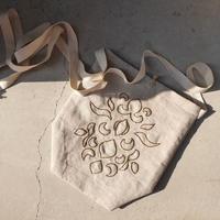 karakusa embroidery apron bag  BEIGE