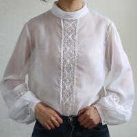 FRANCE BACK OPEN SEER LACE BLOUSE