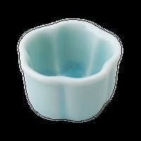 青磁(3.5㎝)梅形豆珍味    く09-030-26 寸法:3.5φ×2.5H㎝ 40g