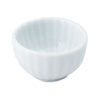 青白磁 菊形豆珍味(深)    く09-030-18 寸法:4φ×2.5H㎝ 40g