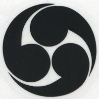 スコッチカル家紋シール 右三つ巴 黒  SCK-019 約35mm