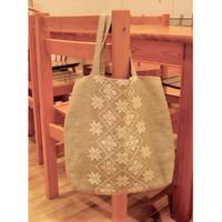 白糸刺繍「ホワイトワークのバッグ」【刺繍キット】